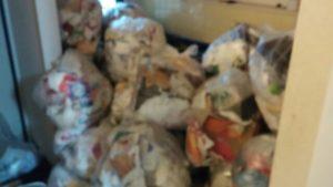 野々市市にて冷蔵庫、ベッド、衣類等のゴミ屋敷処分のご依頼 お客様の画像2